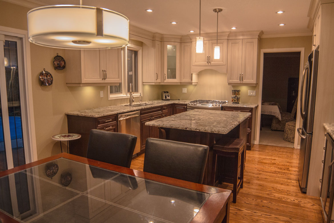 Kitchen cabinet - Classic style