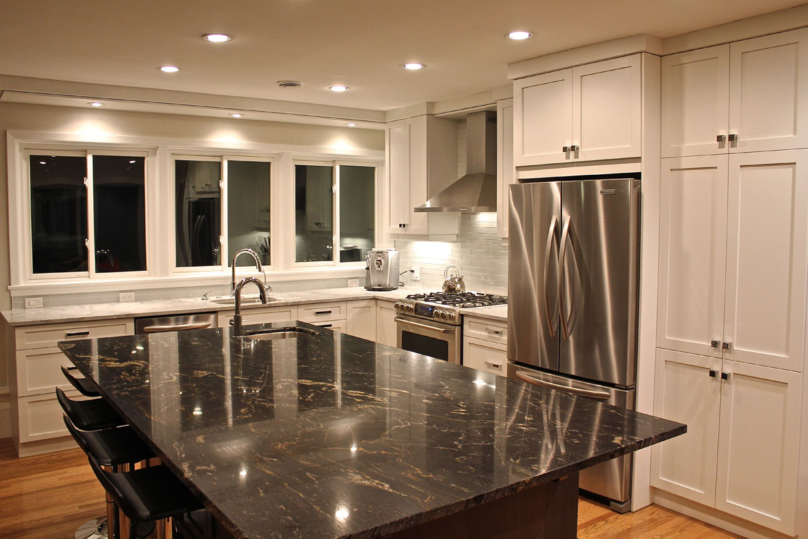 Upperqueens Kitchen cabinet - Contemporary style